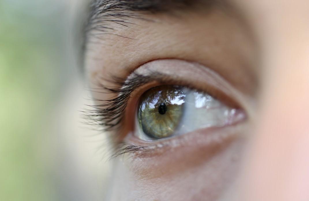La mayoría de las personas se olvidan de su salud ocular, ¿cómo cuidar los ojos en verano?